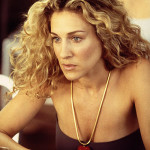 carrie-bradshaw-gorgeous-medium-length-curly-hair