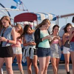 teenagers-on-phones_mod